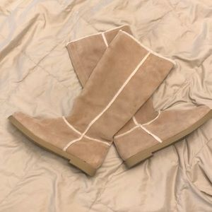 NWT Women's suede Sherpa lined boots size 11
